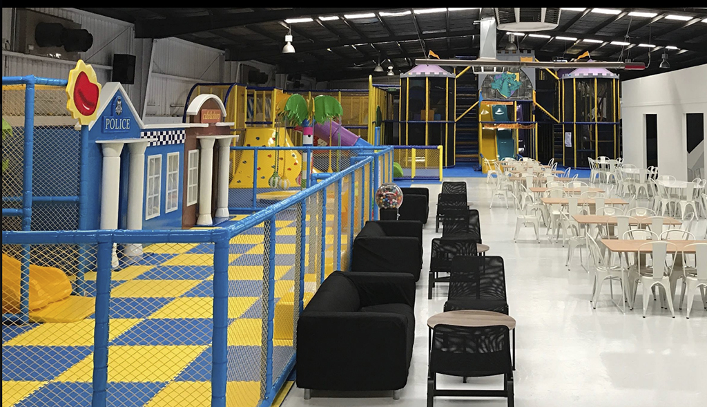Dizzy's Playland & Cafe - Indoor Play Centre - Laser Tag Arena