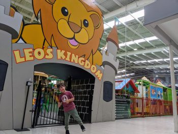 Leo play centre